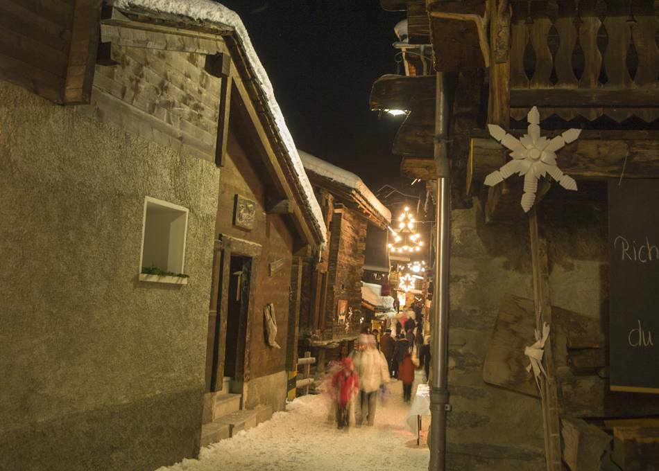 Grimentz old town at night